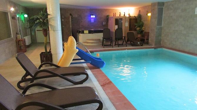 Agriturismo con piscina coperta riscaldata umbria olivastrella - Agriturismo piscina interna riscaldata ...