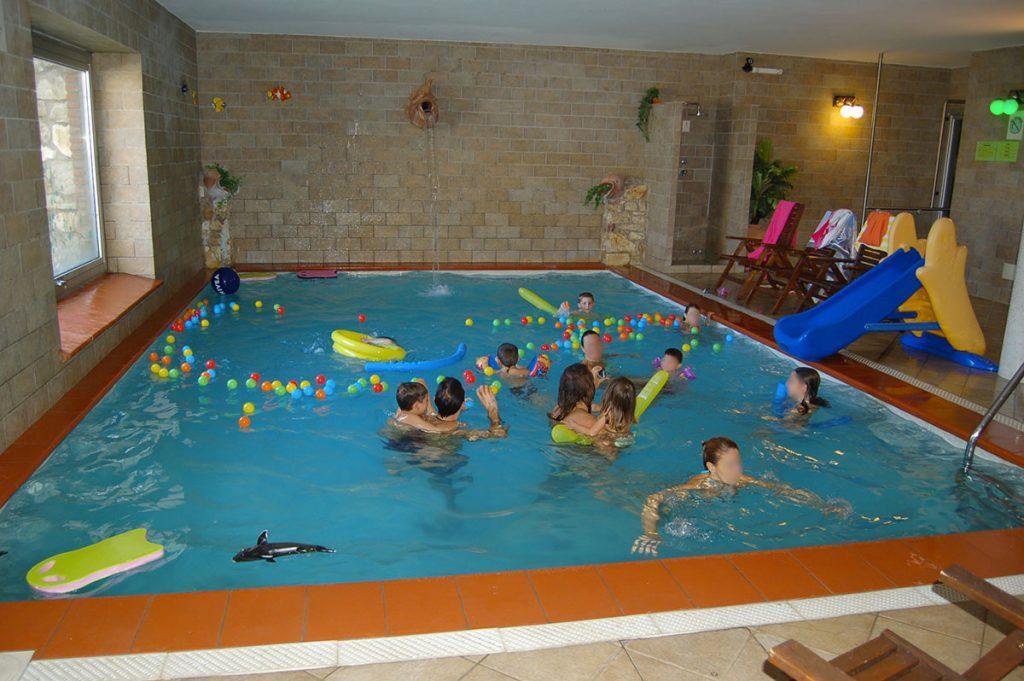 Agriturismo con piscina coperta riscaldata umbria olivastrella - Agriturismo con piscina coperta ...